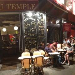 Photo taken at Le Café du Temple by Takayuki A. on 7/23/2012