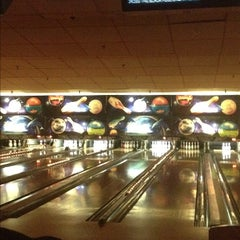 Photo taken at Bowler City Lanes by Achilles on 2/12/2012