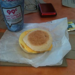 Photo taken at Dunkin' Donuts by Goldie on 9/2/2012
