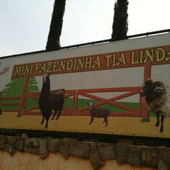 Photo taken at Fazendinha Tia Linda by Rômulo S. on 2/20/2012