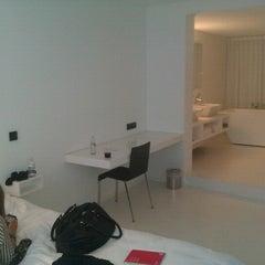 Photo taken at Hotel Zenden by Maxim B. on 9/19/2012