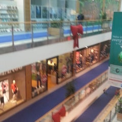 Photo taken at Avenue Mall by Nikola H. on 2/17/2013