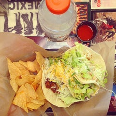 Photo taken at Picante! Fresh Mexican Grill by Chris H. on 8/30/2014
