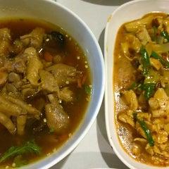 Photo taken at ทองดีโภชนา ข้าวต้มโต้รุ่ง by AYz R. on 9/23/2014