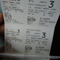 Photo taken at Platinum Cineplex by Rurry R. on 5/12/2014