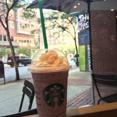 Photo taken at Starbucks by Tatyana G. on 8/27/2015