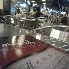 Photo taken at Piccadilly Restaurant by Yapp on 8/22/2013