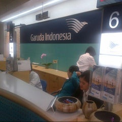 Photo taken at Garuda Indonesia Sales & Ticketing Office by Mohanash F. on 4/29/2014