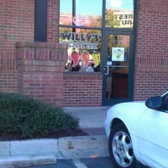 Photo taken at Willy's Mexicana Grill by Real S. on 10/21/2012