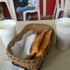Photo taken at Pastelaria do Beto by Leandro B. on 11/24/2012