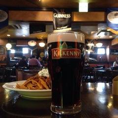 Photo taken at Irish Pub Stasiun 田町店 by maswo on 2/21/2015