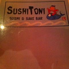 Photo taken at Sushi Toni by Lucas G. on 5/24/2014