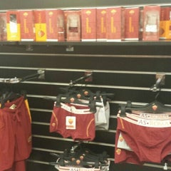 Photo taken at AS Roma Store by Blu_1973_it on 9/22/2015