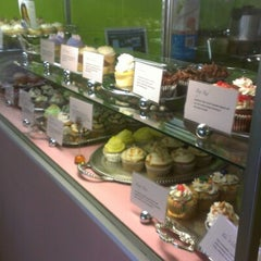Photo taken at OMG!!! Cup & Cakes by Matt M. on 9/26/2012