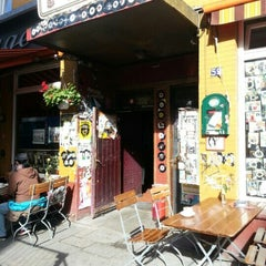 Photo taken at Kogge Rock'n'Roll Hotel & Bar by Gerrit M. on 9/23/2012