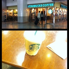 Photo taken at STARBUCKS COFFEE by Joongeun J. on 10/25/2012