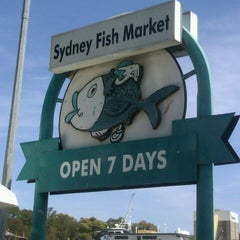 Photo taken at Sydney Fish Market by Henna E. on 10/17/2012
