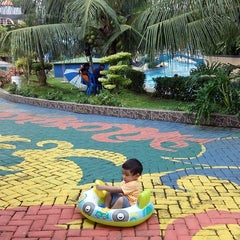 Photo taken at Hairos Indah Waterpark by Ajul D. on 10/25/2014