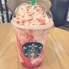 Photo taken at Starbucks (สตาร์บัคส์) by Fah M. on 6/19/2015