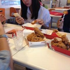 Photo taken at KFC (เคเอฟซี) by Sirada W. on 10/6/2014