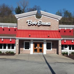 Photo taken at Bob Evans Restaurant by Alex G. on 4/25/2015