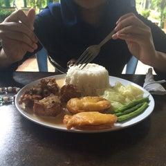 Photo taken at Q Thai Restaurant by Nora I. on 12/31/2015