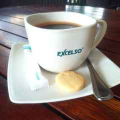 Photo taken at EXCELSO Café by Sonic b. on 2/6/2015