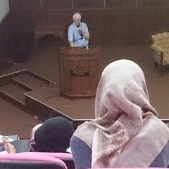 Photo taken at Auditorium Perpustakaan Sultanah Nur Zahirah, UMT by Saadah N. on 5/30/2014
