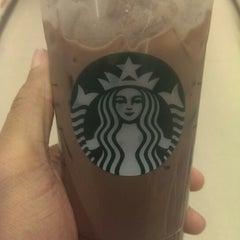 Photo taken at Starbucks by Alonzo H. on 4/6/2014