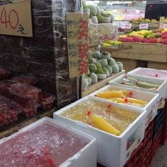 Photo taken at 蜜世界 Fruit Market by Justin X. on 4/23/2014
