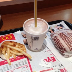 Photo taken at マクドナルド 阪急川西能勢口駅店 by パタパタふくろう on 6/30/2015