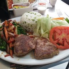 Photo taken at Cumarim Burger Grill by Bruno P. on 5/30/2014