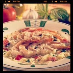 Photo taken at Olive Garden by Kaká B. on 1/18/2013