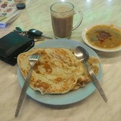 Photo taken at Nasi Kandar Padang Kota by muhd f. on 3/13/2015