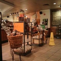 Photo taken at Starbucks by SIGA on 2/3/2013