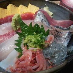 Photo taken at 沼津魚がし鮨 パルシェ6F店 by てんぷう on 7/3/2015