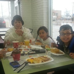 Photo taken at McDonald's by Jetaime M. on 11/26/2014
