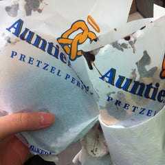 Photo taken at Auntie Anne's by Stephanie K. on 8/14/2014