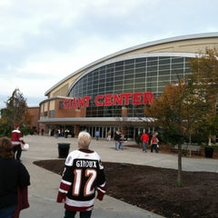 Photo taken at Giant Center by Alista L. on 10/27/2012