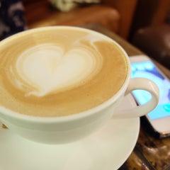 Photo taken at PH1b coffee bar by apaew's s. on 1/10/2016