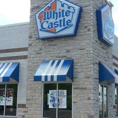 Photo taken at White Castle by Trisha Y. on 6/20/2013