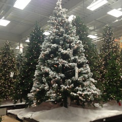 Photo taken at Lowe's Home Improvement by Kate M. on 10/27/2013