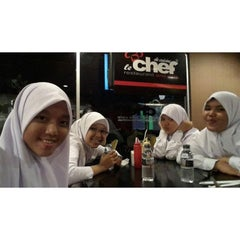 Photo taken at LeChef Cafe and Cofee Toffee by Nikmatul H. on 9/10/2014