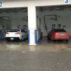 Photo taken at Discount Car Wash by Jeffrey H. on 12/30/2012