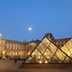 Photo taken at Musée du Louvre by Hanol on 7/20/2013