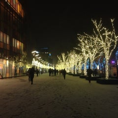 Photo taken at 三里屯太古里 Taikoo Li Sanlitun by J. on 12/20/2012