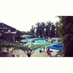 Photo taken at Klub Bunga Butik & Resort by Kevin A. on 10/29/2014