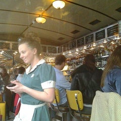 Photo taken at Kaffebrenneriet by Volkan P. on 9/27/2014