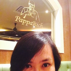 Photo taken at PappaRich by Finn on 4/12/2015