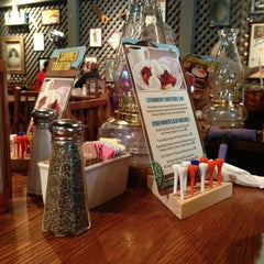 Photo taken at Cracker Barrel Old Country Store by Diane W. on 8/7/2013